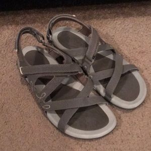 Hi-Tech strapping sandals